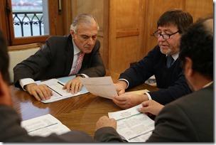 Senador Eugenio Tuma y alcalde de Carahue (2)