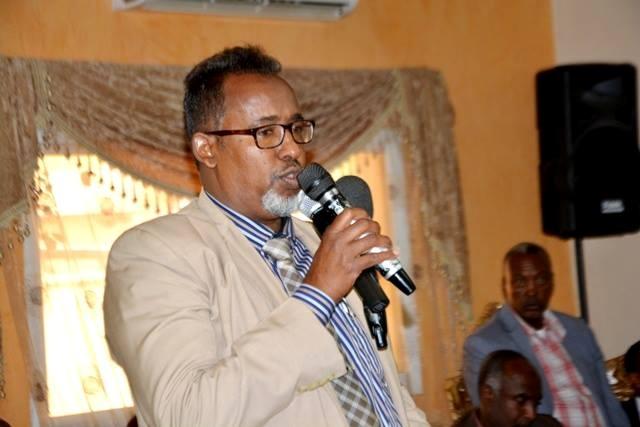 Cali Maxamed Axmed (Cali-sandule),  Wasiirka Shaqada iyo Arrimaha Bulshada ee Jamhuuriyadda Somaliland