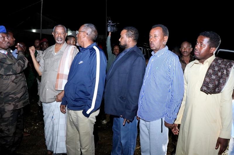Madaxweynaha oo kormeerar meelaha roobku khasaaraha gaadhsiiyay ee Xaafadaha Hargeysa, Araweelo News Network, 14 May 2019.