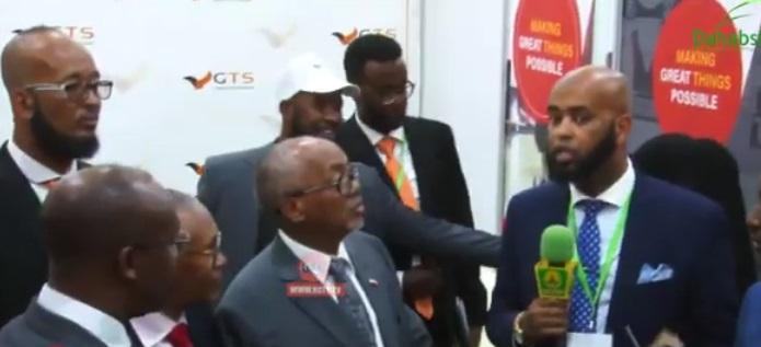 Madaxa Shirkadda Global Tech Solutions ee loo soo gaabiyo  (GTS)  Eng.  Khaalid Sheekh Muxumed oo  Shirweynaha Tignoolojiyada (Somaliland ICT Conference 2019), ee Hargeysa ka furmay Madaxweyne ku xigeenka Somaliland u sharaxaya adeegyada ay qabtaan. Araweelo News Network 7 Sep 2019.