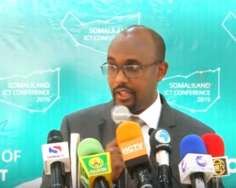 Wasiirka Wasaasradda Isgaadhsiinta iyo Tignoolajiyadda Somaliland Cabdiweli Sheekh Cabdillaahi (Suufi,  Araweelo News Network 7 Sep 2019