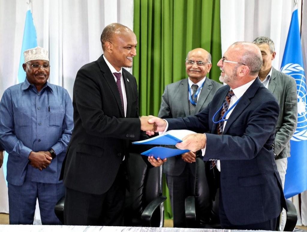 Deputy Prime Minister, H.E. Mahdi Mohammed Gulaid and UNDP Resident  Representative, Jocelyn Mason. mogadishu somalia 12 Nov 2019.