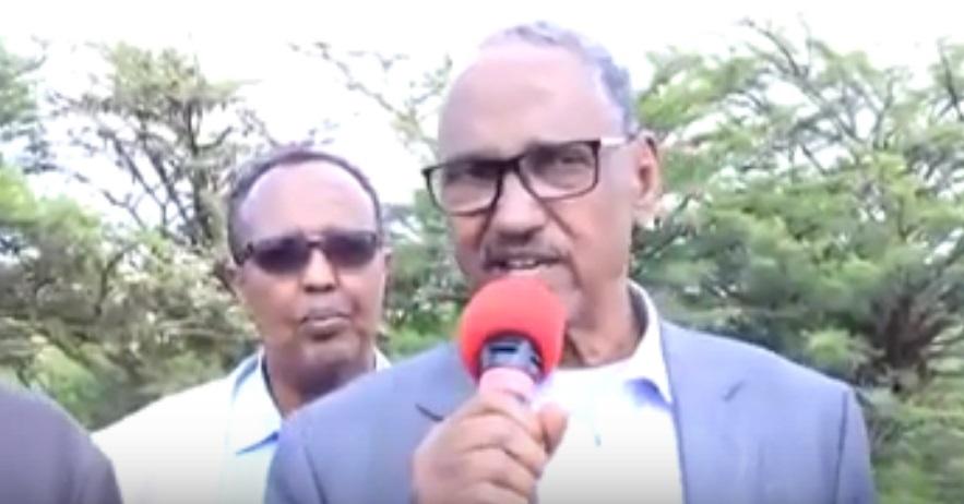 Wasiirka Wasaaradda Ganacsiga, Warshadaha iyo Dalxiiska Somaliland, Maxamuud Sacad Saajin oo ka hadlaya kooxda hubaysnayd ee Awdal 14 Nov 2019.