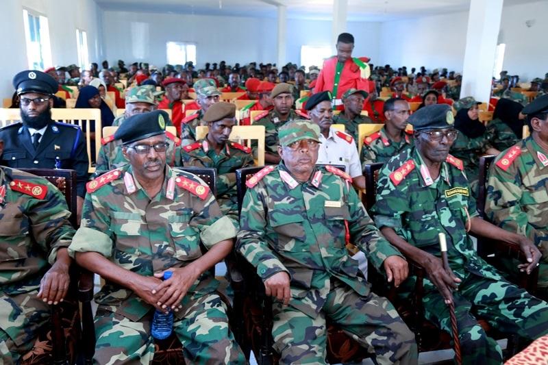 Madaxweynaha Jamhuuriyadda Somaliland, Mudane Muuse Biixi Cabdi oo deegaanka Darar-weyne ka furay Layliga Saraakiisha Ciidan 20 Nov 2019.