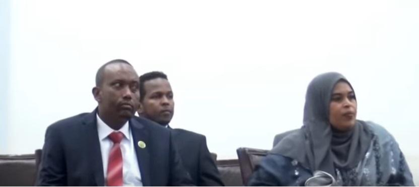 Saddex ka mid ah xubnaha Komishanka cusub ee doorashooyinka Somaliland oo la horkeenay golaha wakiiladda 12 Nov, 2019. Araweelo News Network.