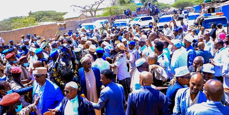 Kumanaan qof oo ka qaygalay Aaska Suldaan Maxamed Suldaan Cabduqaadir Image 13 Feb 2021, Image Araweelo News Network, Hargeysa.