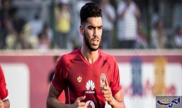 وليد أزارو يشتبك مع أحد مشجعي الوداد المغربي