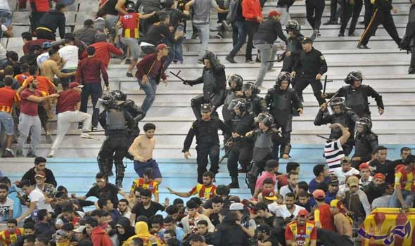 اشتباكات عنيفة بين جماهير الترجي والأمن التونسي بعد مباراة الأهلي والزمالك