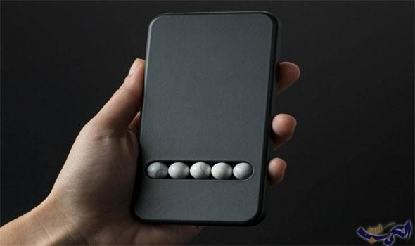 هاتف جديد بدون شاشة مصمم خصيصا لعلاج مدمنى الهواتف الذكية