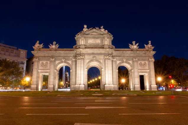 Puerta de Alcala, Madrid, arboursabroad, things to do in Madrid, Spain