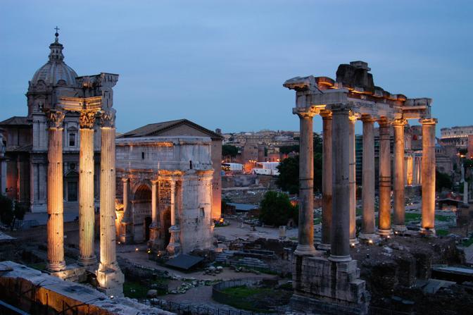 Como visitar o Fórum Romano à noite. Dicas de Roma