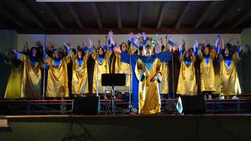 """Spettacolo teatrale """"IO"""" e concerto Gospel. Serata da sogno al Medioevo di Olgiate Comasco"""