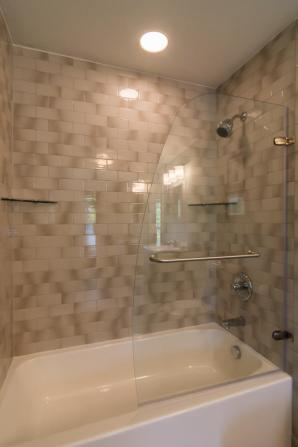 521 W Smith Ave Bloomington IN-large-036-014-Shower-667x1000-72dpi