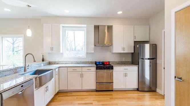 B-Line Modern Cottage - Kitchen