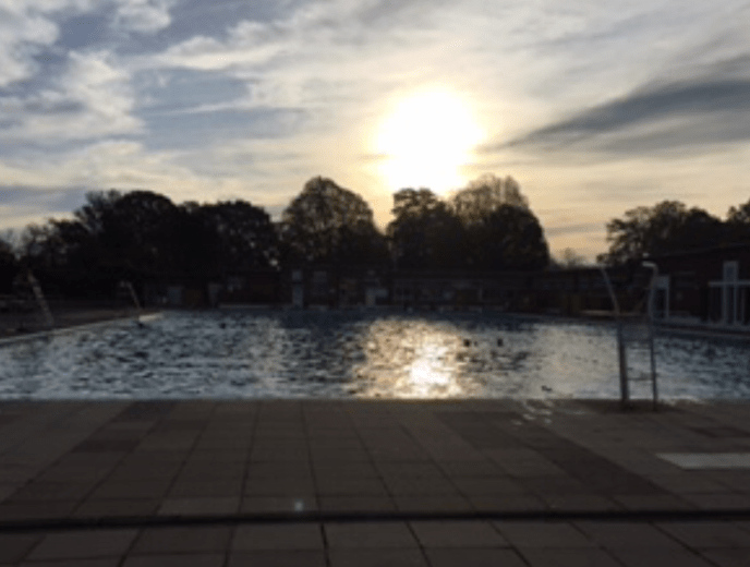 Brockwell Lido at sunrise