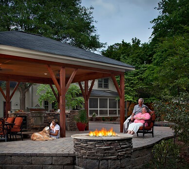 outdoor fireplace and fire pit builder