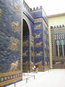 640px-Pergamonmuseum_Ishtartor_08