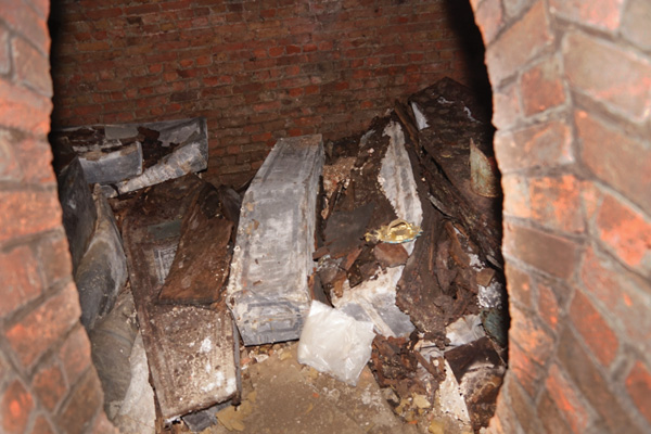 Under the chancel: discovering a 'hidden' crypt in a Lambeth church