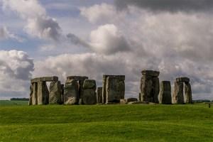 Stonehenge_wikimedia_Sumit-Surai