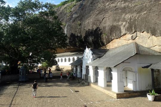 Dambulla Cave Temple-Sri Lanka-Chandima Ambanwala (3)