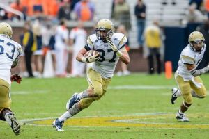 Zach Laskey carrying the ball during a game for Georgia Tech.