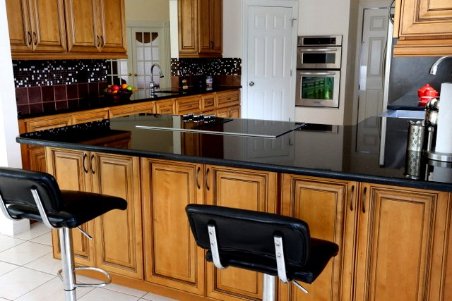 How to Decorate with Black Counters & Cabinets in the Kitchen on Black Granite Countertops With Brown Cabinets  id=26922