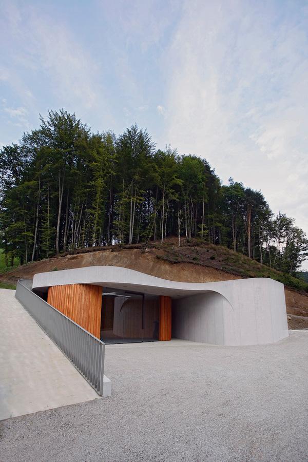 Farewell chapel