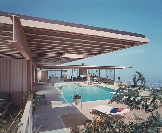 Case Study House #22, (daytime pool), 1960 Los Angeles, CA / Pierre Koenig, architect   © Julius Schulman