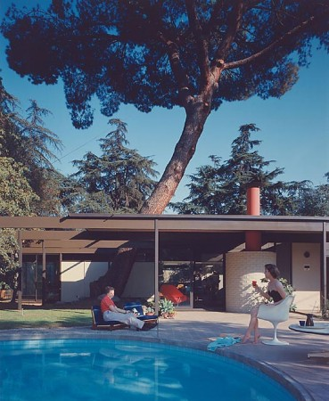 Case Study Home #20 / Bass House, 1958 Altadena, CA / Buff, Straub and Hensman, architects   © Julius Schulman