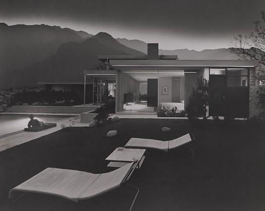 Kaufmann House, 1947 Palm Springs, CA / Richard Neutra, architect   © Julius Schulman
