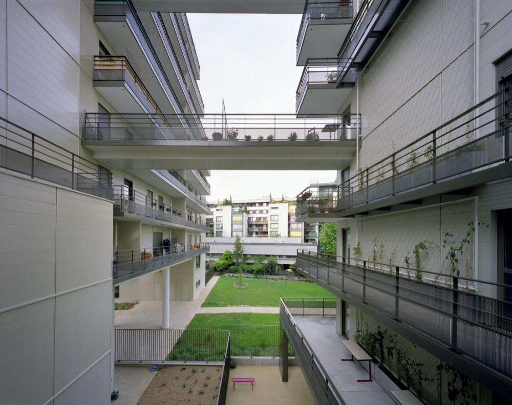 Rue de la Convention Housing - Jean Paul Viguier Architecture © Yves Marchand & Romain Meffre