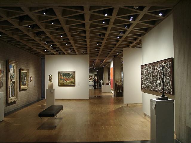 Interior gallery space ©Flickr-user:caprilemon
