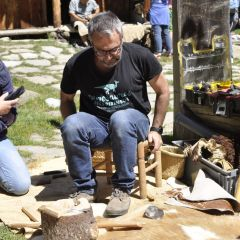 Internationales Steinschlägersymposium 2019 im archeoParc Schnalstal<br/>Conferenza internazionale della scheggiatura della pietra 2019 nell'archeoParc Val Senales<br/>International Flint Knapping Symposium 2019 at the archeoParc Val Senales in northern Italy<br/><br/>archeoParc Schnalstal<br/>Spring 2019