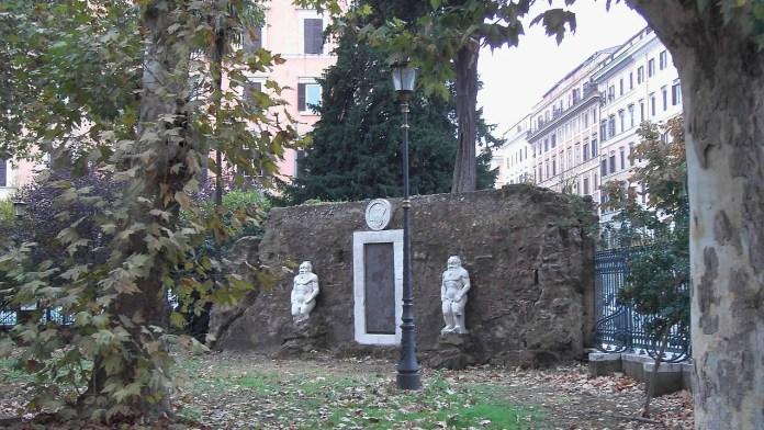 Scuola di integrazione. Piazza Vittorio all'Esquilino: la Porta magica del marchese di Palombara, scuola di integrazione