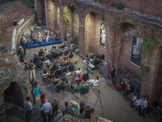 presentazione-Carandini-forza-contesto-Anfiteatro-Catania