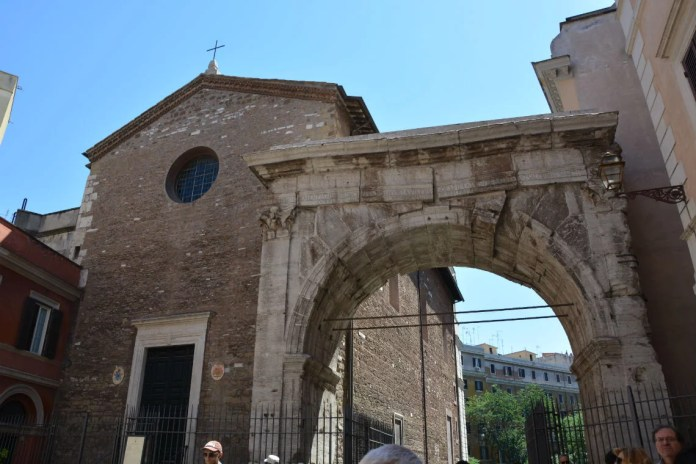 Arco-di-Gallieno-Rione-Monti