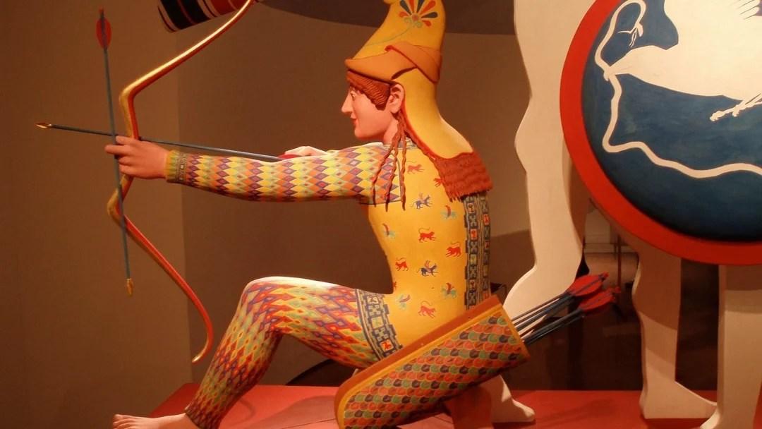 statue antiche Paride a colori