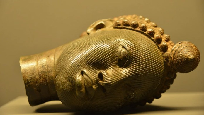 Ex Africa bronzi Benin