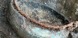 guerriero fantasma vaso di bronzo crecchio