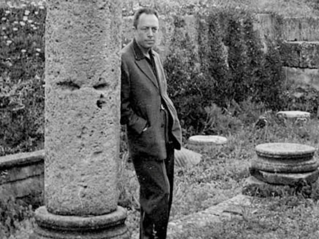 Camus a Tipasa
