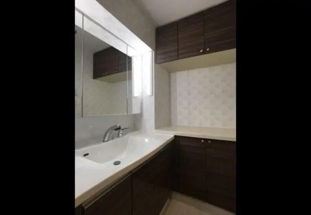 板橋区マンションリフォームの洗面室