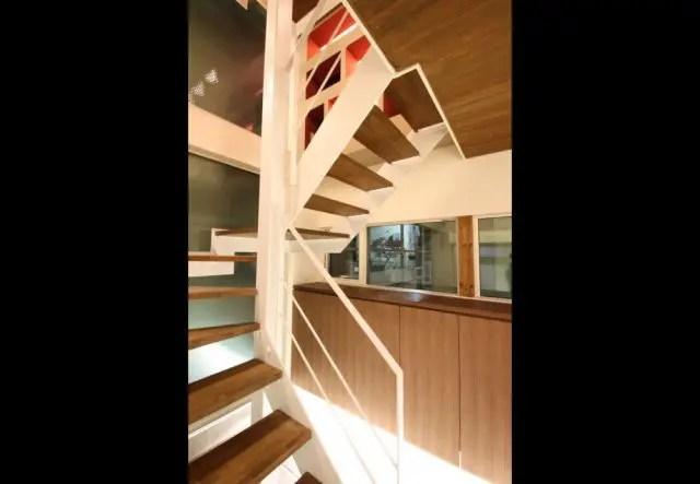 4.練馬区注文住宅の階段1