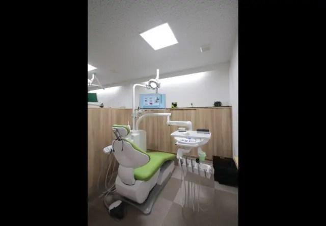 3.板橋区歯科医院建築の診察台