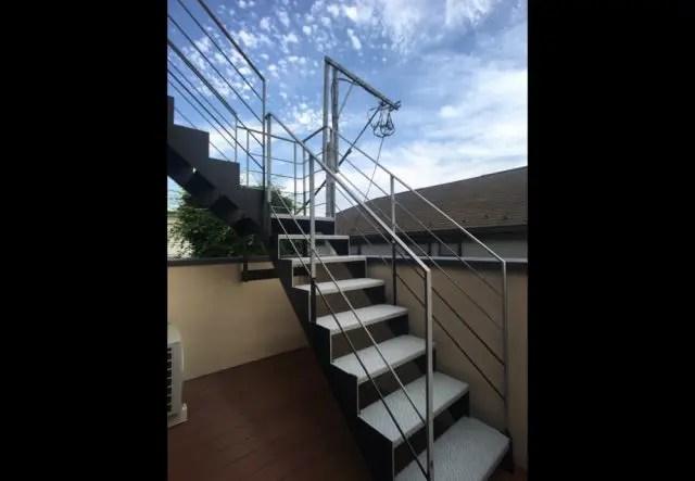 練馬区注文住宅の外階段