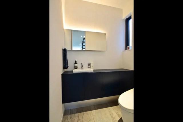 世田谷区注文住宅:TK邸のトイレ手洗いの画像