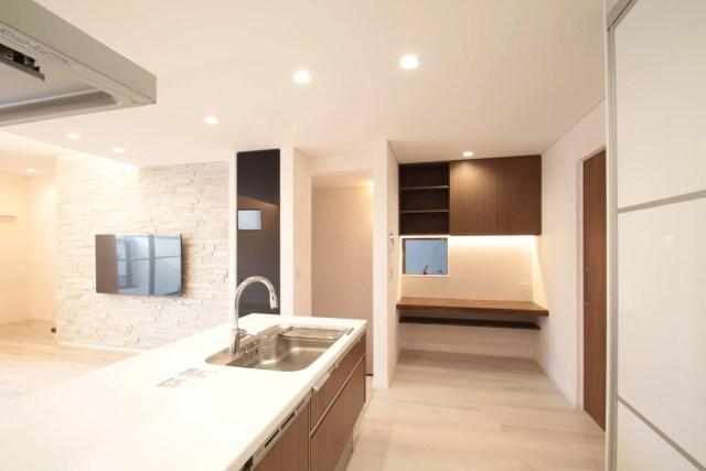 世田谷区注文住宅:TK邸の家事コーナー家具の画像