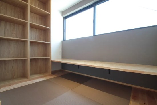 所沢市注文住宅:KN邸の書斎コーナー画像