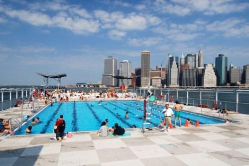 pf_9-piscina-y-skyline-528x352