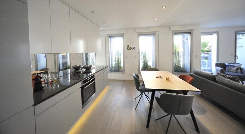 cusine ouverte dans un appartement realise par un architecte d interieur a lille