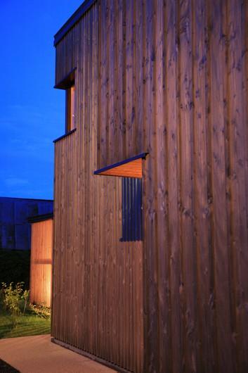 http://www.architectes-paris.info/wp-content/uploads/2017/11/Une_Maison_Coudeville_sur-Mer_Lemerou-Architecture_PHOTO_FABIENNE_DELAFRAYE.jpg